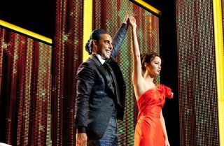 Stanley-Tucci-and-Jennifer-Lawrence-in-The-Hunger-Games-2012-Movie-Image