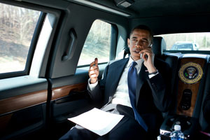 Obama-working-the-phones1