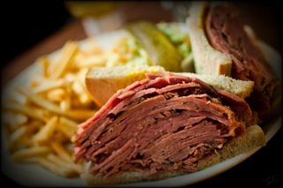 Montreal_smoked_meat_TMAB2003
